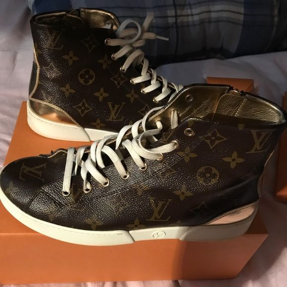 Louis Vuitton sneakers Used Louis