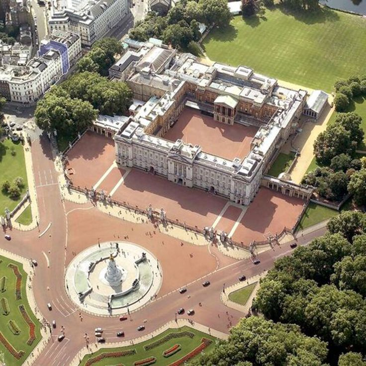 25 Best Ideas About Buckingham Palace On Pinterest