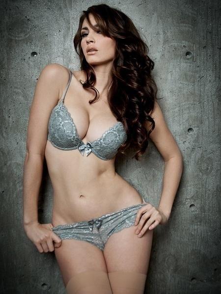 Tanit Phoenix Hot Bikini Photoshoot 2015 (4)