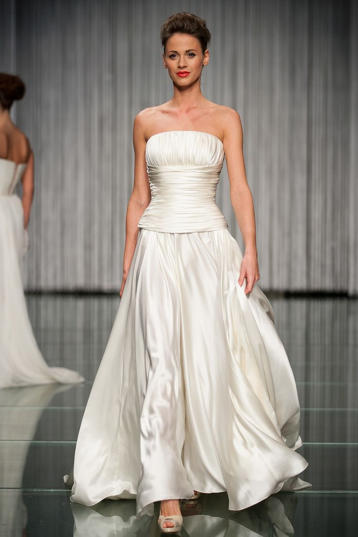 Daalarna Wedding Dress White Collection on the Runway