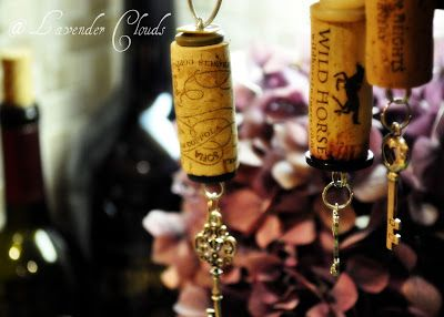 http://liliannagrace.blogspot.com/2010/11/wine-cork-ornaments.html