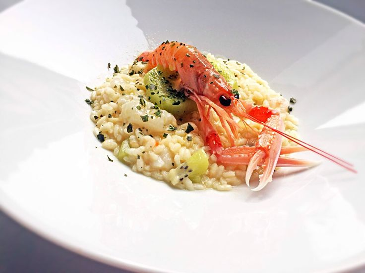 Risotto with lemon zest, langoustines and kiwi fruit