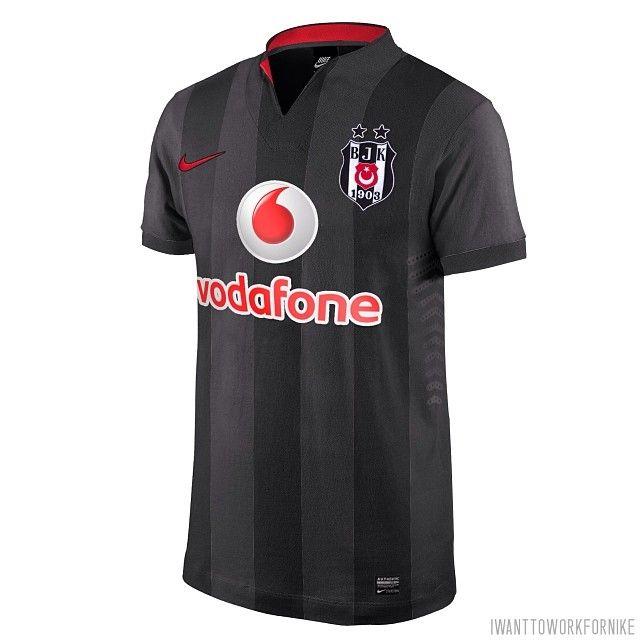 #Besiktas #secondjersey proposal with #nikefootball and #Vodafone I tried to catch the retro essence. #besiktasformalari