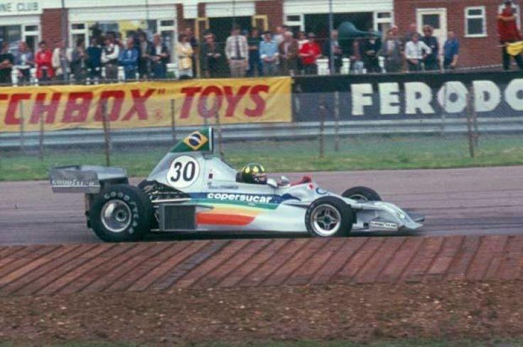 2.bp.blogspot.com -8fCZW3_8H3Q UyoEVO7ZyCI AAAAAAAABoA b7PvCQMZHMk s1600 1975_Wilson_Fittipaldi_Fittipaldi_FD_03_British_GP-e1349124270963.jpg