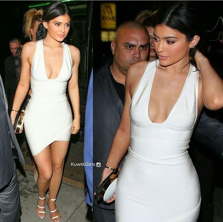 Kylie Jenner White Dress AMAs 2015