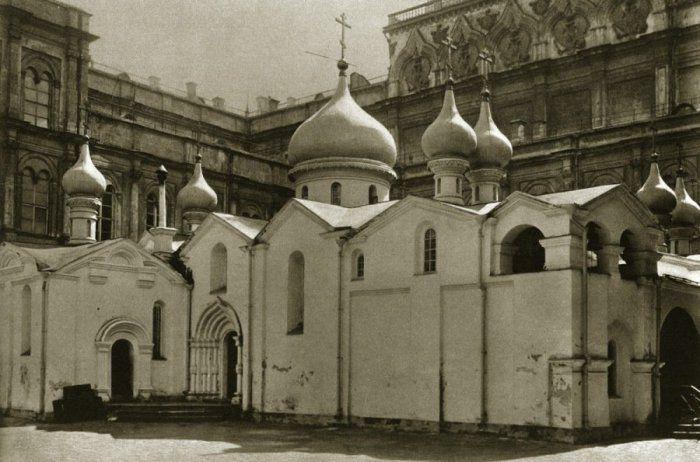 Собор Спаса на Бору. Московский Кремль. 1320-1330-е гг