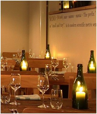 Bistro Nano Restaurant--champagneflessen met windlichtjes