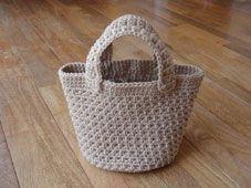 みなさんの「シンプル丸底バッグ」 [かぎ針編みレシピ・編み図と手芸雑貨のお店 Ronique]