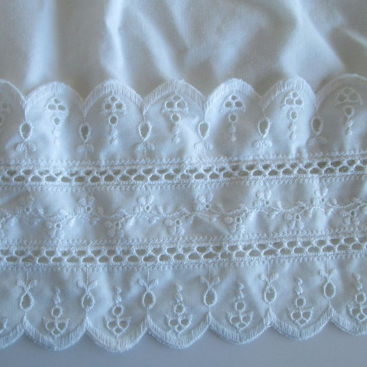 Vintage Wamsutta Beacon Hill White Eyelet Lace Dust Ruffle Bed Skirt Full Double #Wamsutta #Cottage