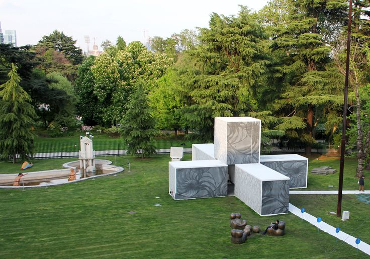 Graphic Concrete Pavillion, Triennale di Milano, Italy 2012. Architect: Sami Rintala & Dagur Eggertsson, Rintala Eggertsson Architects, design/graphics: Samuli Naamanka, prefabrication: Truzzi Prefabbricati.