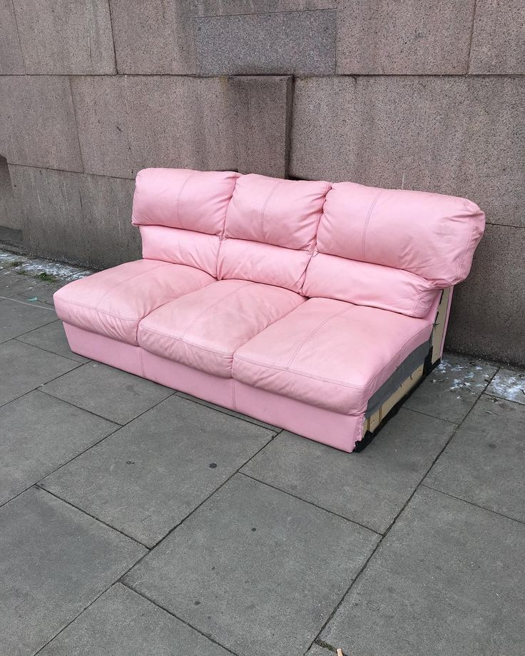 One man's trash is another man's treasure #guccipink