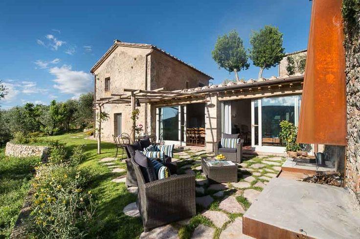 Casa Emilio. Montestigliano Farmhouse | Photo © Francesca Pagliai [Home exteriors - Esterni]