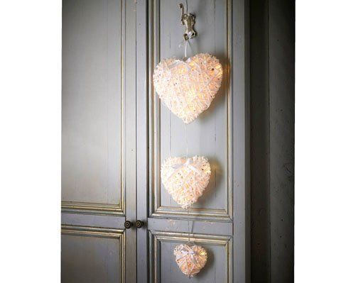 "Di's Home Decor on Twitter: ""Set Of 3 Hanging Hearts £13 #hearts #homedecor #homedecortion #giftsforher #xmasgifts #onlineshopping #wineoclock #buyitnow #lovelydecor https://t.co/ZUFe1mhToC"""