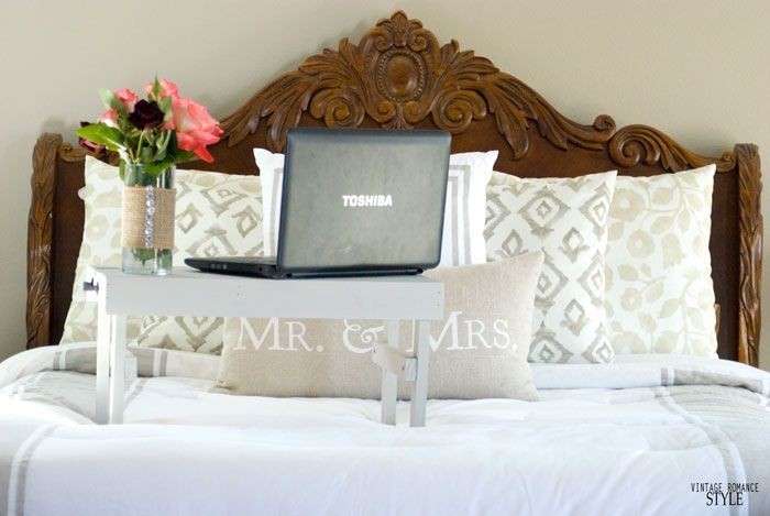 VINTAGE ROMANCE STYLE: Easy DIY Laptop stand for bed with Walnut Hollow