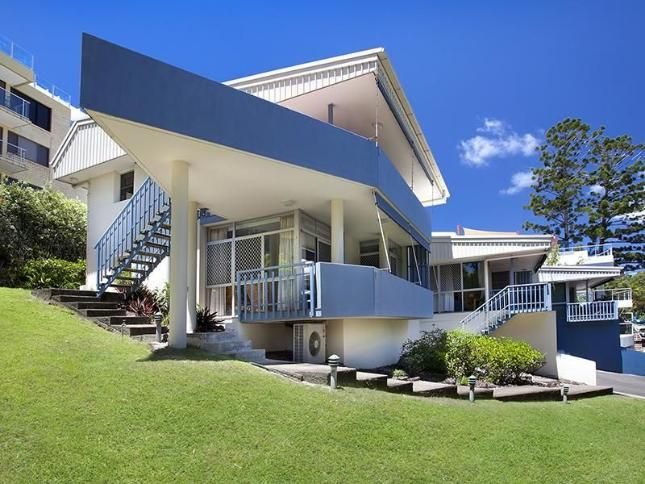 Yaringa, Unit 3, 29 Noosa Drive, a Noosa Heads APARTMENT   Stayz $500 for 5 nights