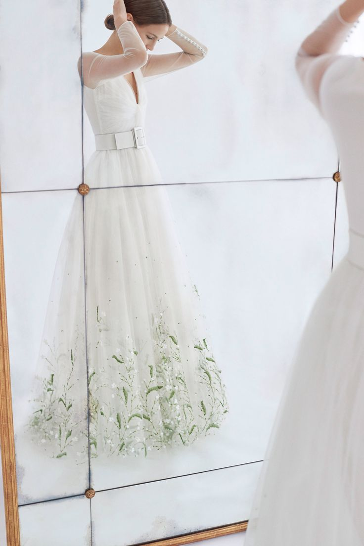 Carolina Herrera Bridal Fall 2018 Fashion Show Collection