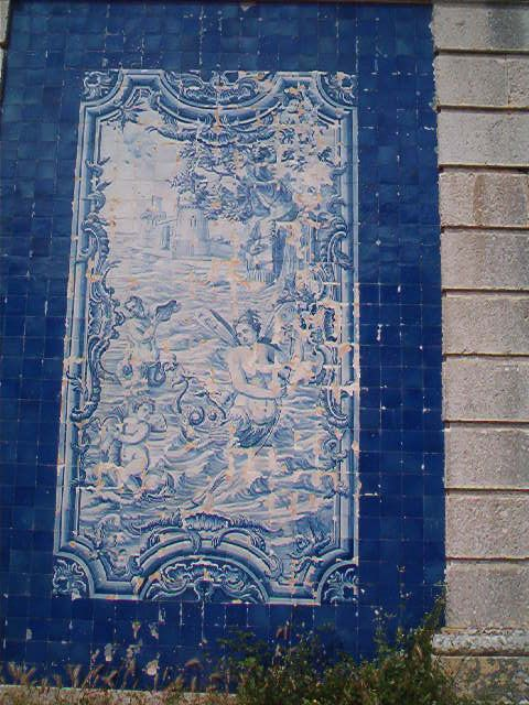 Oeiras, Casa da Pesca [photo: José Martins]  #coquillage #blueandwhite #azulejo #frame #collaborativetimeline