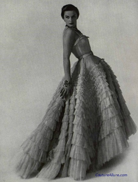 Christian Dior ballgown, 1948.  #vintage #couture  beautiful dress!  but did ANYONE E V E R   stand like this?!  lol
