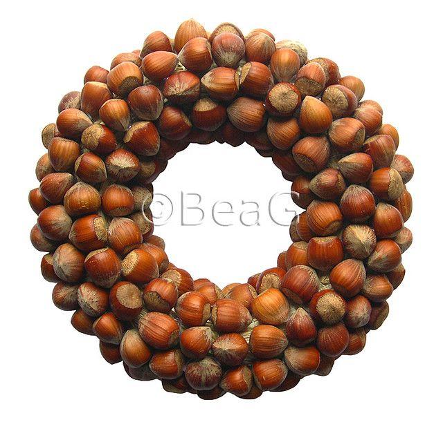Hazelnut Wreath (Hazelnoot Krans)