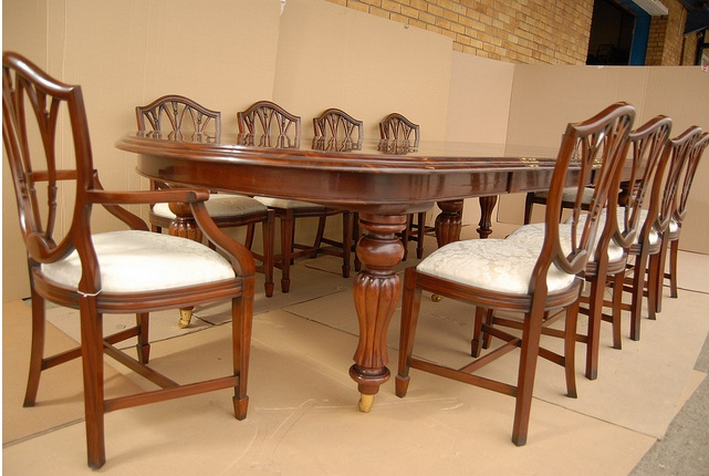 Heppelwhite table and chairs