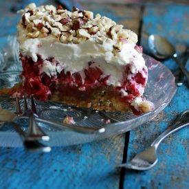 Rhubarb Cake with biscuits and whipped cream. Amazing summer cake (in Danish)