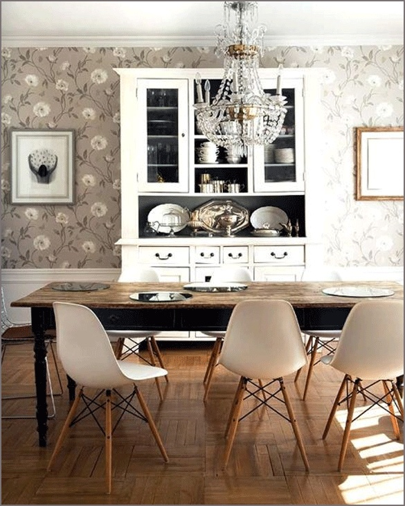 great dining table.