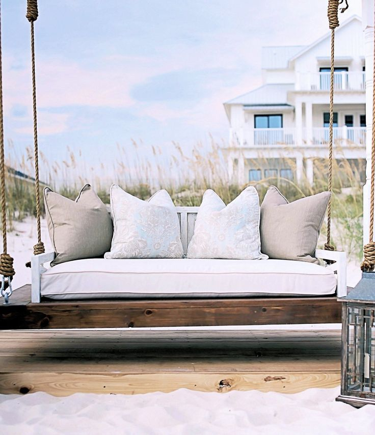 BOXHILL'S RUSTIC DAYBED PORCH SWING (LIFESTYLE)