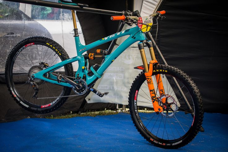 Richie Rude's 2017 Yeti SB6c - PIT BITS - Enduro World Series, Valberg…