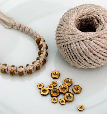 Makraméarmband från minieco.co.uk