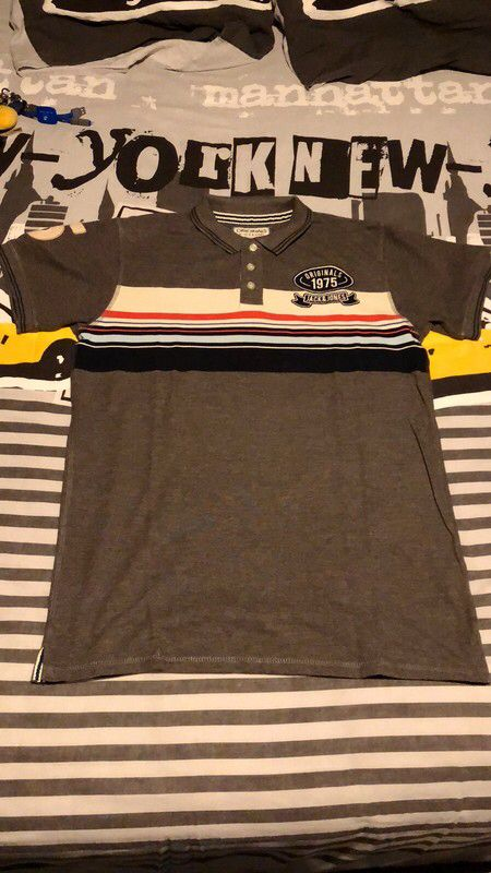 Polo Jack & Jones de marque jack & Jones. Taille 42 / XL à 5.00 € : http://www.vinted.fr/mode-hommes/polos/63064352-polo-jack-jones.