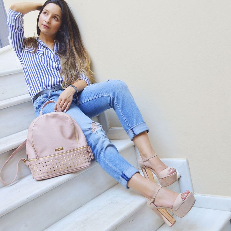 Vasia from Fashion has it . . . blog is wearing #MIGATO ES1412 beige high heeled sandals ► bit.ly/EK1412-L10en and AS107 beige backpack ► bit.ly/AS107-L10en