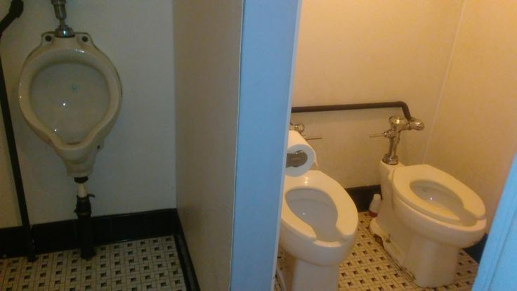 """""""So at my local movie theater the urinal is separated but the toilets are not. And there's only one roll of toilet paper.""""  r/CrappyDesign"""