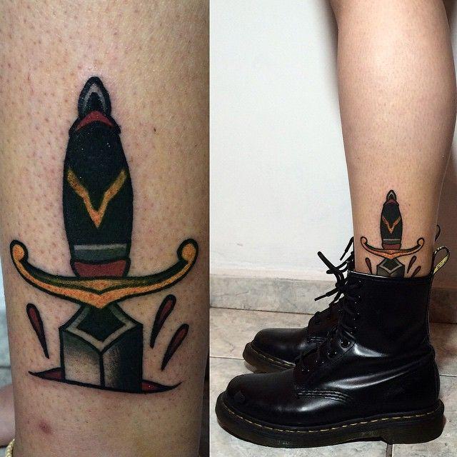 Que foda × #punhal #tattoo #perna #bota #ink