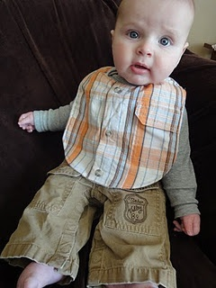 FOR ALL MY FRIENDS WITH BOYS - SO fabulous! Free pattern for recycled shirt bibs. You could totally sell these and make a killing. #diy #coolstuffformoms