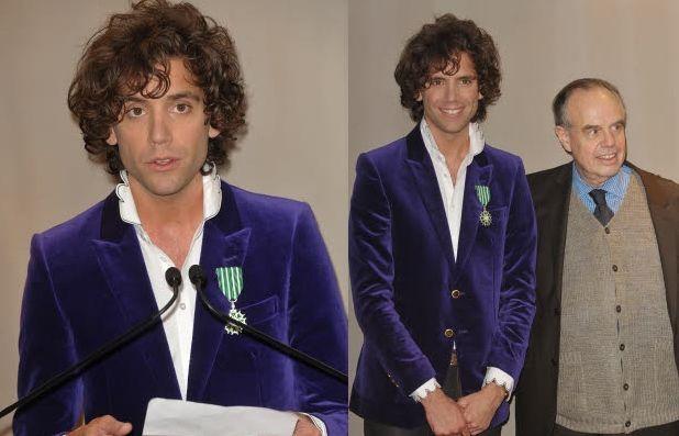 Mika getting his Ordre des Arts et des Lettres (Order of Arts and Letters)