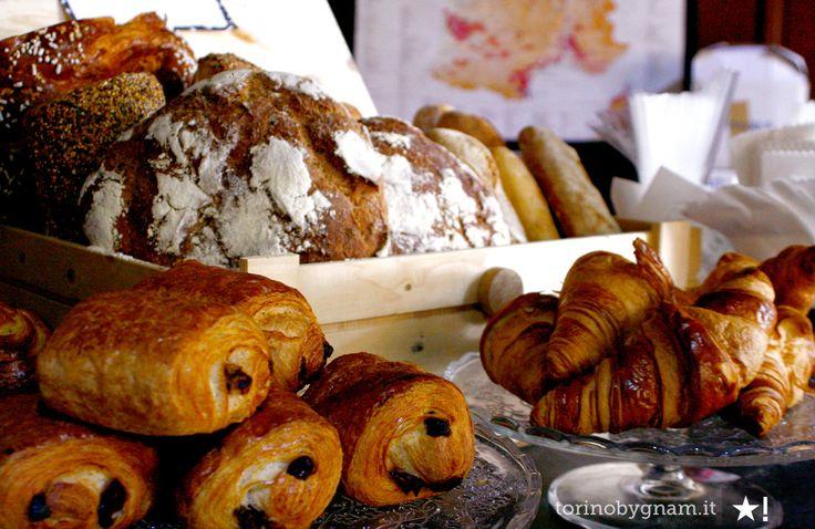 Pains au chocolat, pains aux raisin, croissants, brioche, baguette pain et quiche  freschi il mercoledì e il venerdì photo by torinobygnam