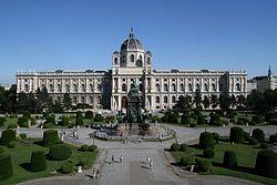 Vienna- Maria-Theresien-Platz Kunsthistorisches Museum Wien 2010.jpg