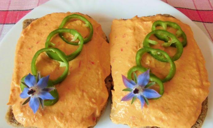 Zeleninová pomazánka s bílým tofu