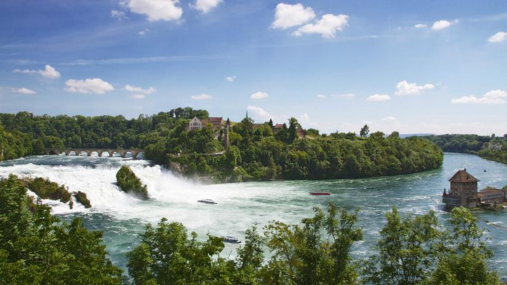 The interactive Grand Tour of Switzerland web route is sure to awaken the tour fever that lies inside.
