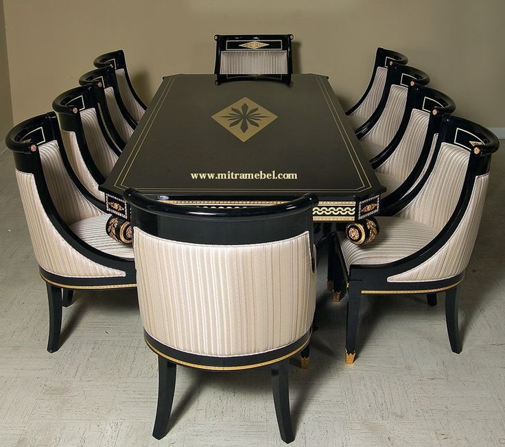 Set Meja Makan Mewah Modern merupakan produk furniture yang kami tawarkan kepada anda yang mencari produk furniture meja dan kursi makan berkualitas tinggi dan cocok untuk furniture mewah di ruang makan dirumah anda dengan harga bersahabat.