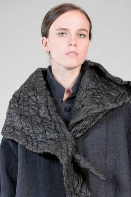 DANIELA GREGIS | triangular shawl in woolen quilted polyamide taffetas  with 'matelassé' effect | #danielagregis