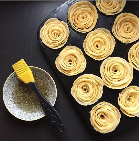 Wer sagt dass Kartoffelscheiben nur aufs Blech kommen oder in Kartoffelgratin? Ich finde sie machen sich auch in Rosenform wunderschön.