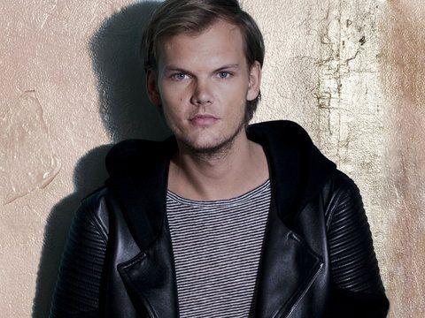 #Onet: Avicii, jeden z najpopularniejszych DJ-ów na świecie, 15 lipca wystąpi na Stadionie Energa Gdańsk. Szwedzki artysta zaprezentuje się w ramach wydarzenia Music Power Explosion. Bilety trafią do sprzedaży 8 lutego.