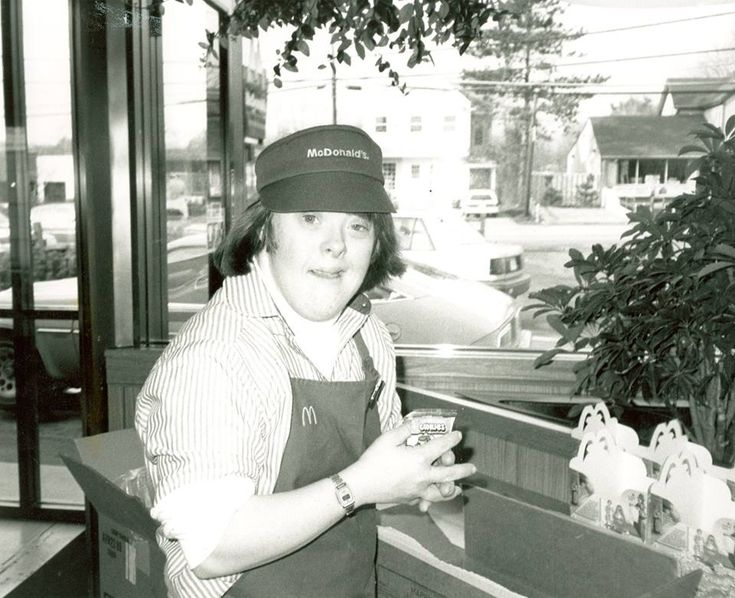 McDonalds celebrates the retirement of its beloved Down syndrome employee: http://ift.tt/2celW9d