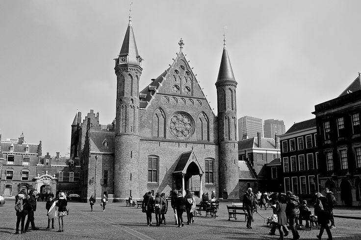 Binnenhof, The Hague - Shot on a Canon EOS 1000D, Av, ISO 1600, shutter speed 1/4000, f/5.6