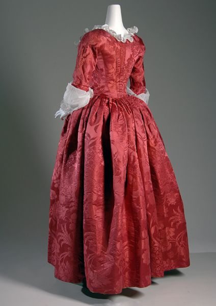 Robe à l'anglaise Red silk damask   Circa 1775, England  Fabric by Anna Maria Garthwaite, 1751