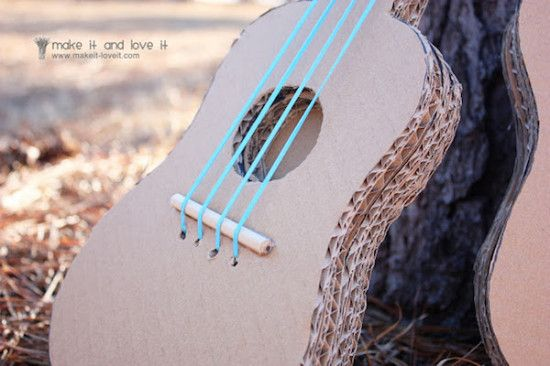 instrumentos musicales caseros de cartón