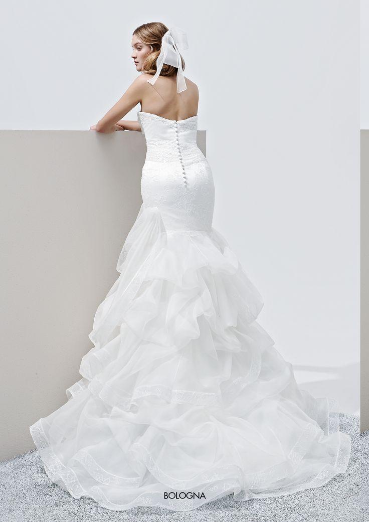 """Collezione Privée 2015 - Elisabetta Polignano Modello """"Bologna"""": gonna asimmetrica e ricca di dettagli #wedding #weddingdress #weddinggown #abitodasposa"""