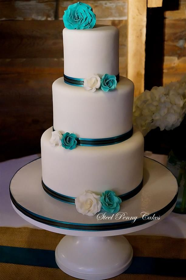 teal and white wedding cake 25 best ideas about turquoise wedding cakes on 20773