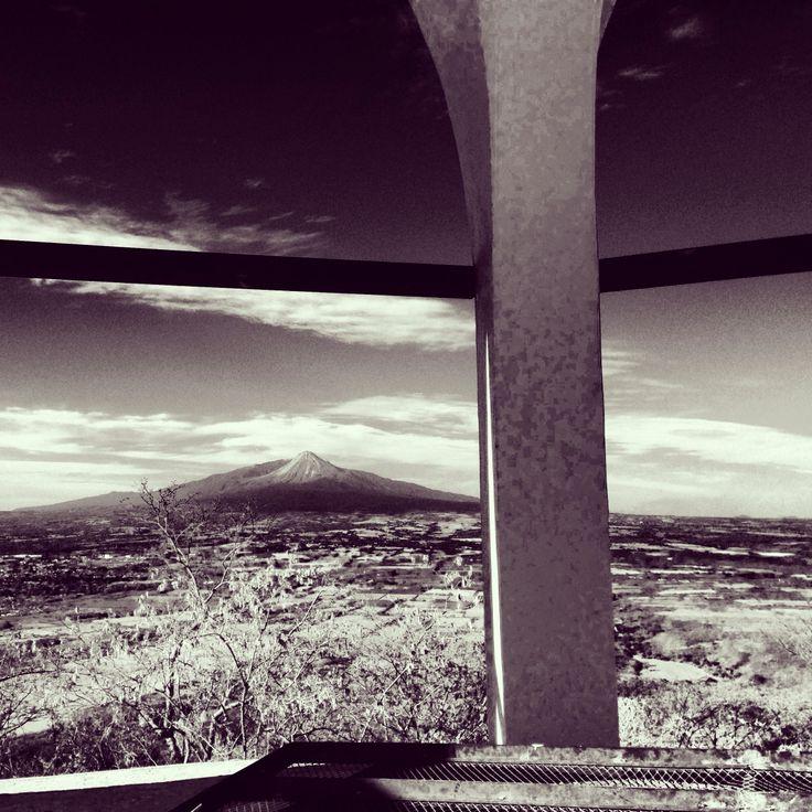La Cumbre y su vista hacia el Volcán